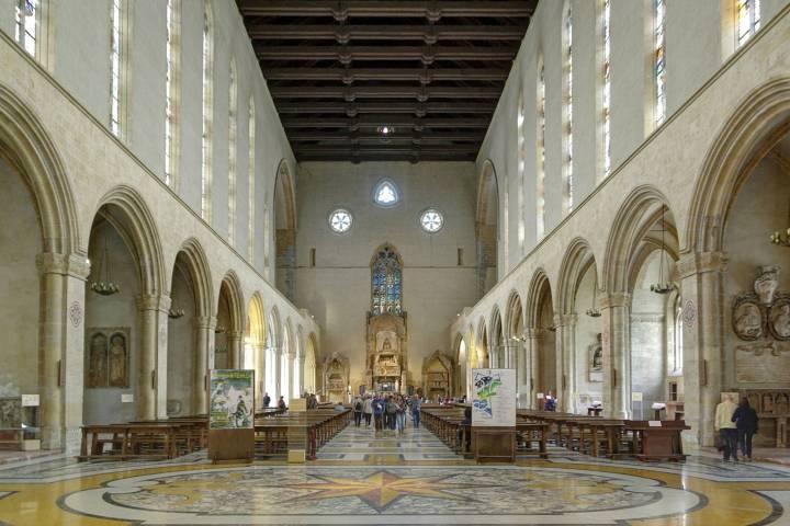 monastero di santa chiara e chiostro maiolicato
